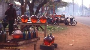 Ph/DR-: En ville comme à l'intérieur du pays, les prix de l'essence de contrebande a doublé...