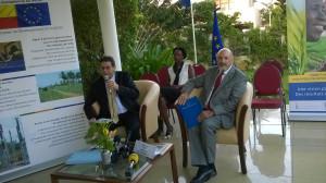 Ph/ DR-: (De gauche à droite) : M. Michel GLAZMAN, président de la CCEB, DG/ASCOMA (un peu en retrait), Mme Aminata DIACK, Vice-présidente de la CCEB, DG/SERVAIR Bénin et M. Josep COLL, l'Ambassadeur, Chef de la Délégation de l'Union européenne.