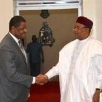 Ph/ DR-: Messieurs Marcel de Souza, président de la Commission de la Cedeao et Mahamadou Issoufou de la République du Niger.