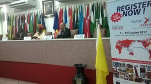 Ph: DR-: (De gauche à droite) : M. Razack Yéssoufou, Secrétaire général de la CCIB, Mme Roumane M. Toukourou, Consul honoraire de l'Indonésie au Bénin et M. Nino Wawan Setiawan, Directeur de l'Indonesia Trade Promotion Center (ITPC).