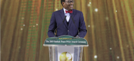 Banque africaine de Développement (BAD) : Akinwumi Adesina, lauréat du Prix Sunhak de la paix 2019 à Séoul en Corée du Sud.