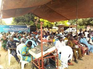 Ph: DR-: Hommes et femmes ont saisi l'occasion pour exposer leur préoccupation en matière des droits fonciers.