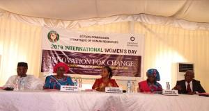 Ph: DR- (De gauche à droite) les Commissaires Amado et Jagne, Mme Brou (au milieu) Ahmed Traore