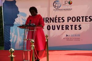 Ph: DR: Mme Adidjatou Mathys ministre du Travail et de la Fonction publique représentant le ministre d'Etat du Plan et du Développement, Gouverneur pour la Banque mondiale