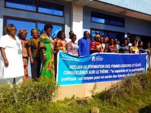 Ph:DR : Photo de famille des femmes leaders et élues conseillères des départements du Littoral, de l'Atlantique, du Zou, du Plateau et de l'Ouémé.