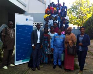 Ph: DR- Photo de famille des participants à l'Université de vaances