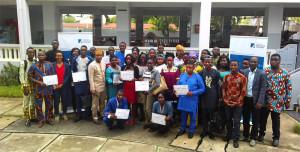 Ph: DR-: Photo de famille des participants à l'Université de vacances