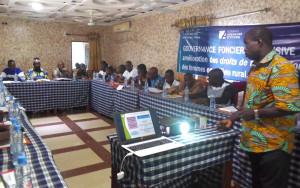 Ph: DR: Participants de Covè et Zangnanado et le formateur, M. DJima Rahamanou du BCDF/Abomey