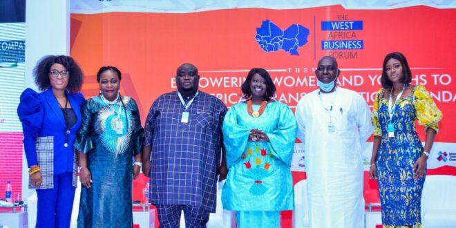 La CEA en Afrique de l'Ouest s'engage avec plus de 350 partenaires de coalition pour soutenir l'entrepreneuriat des femmes et des jeunes dans la région.