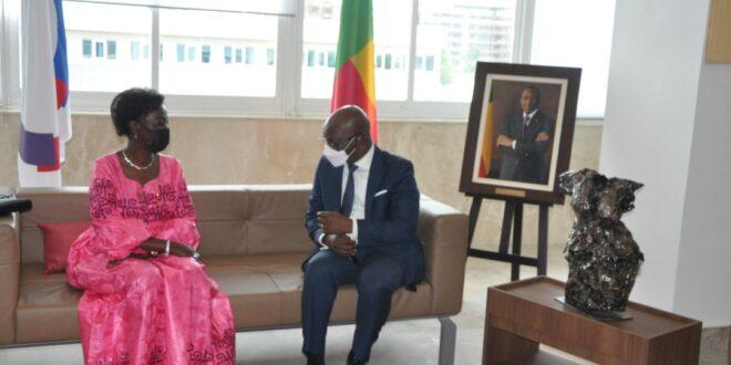 Gestion de la Covid-19 et les questions du numérique : Louise MUSHIKIWABO, la Secrétaire Générale de la Francophonie félicite le Bénin